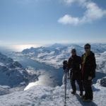 Två glad Brittiska klientr till magnus på geitgallen i Lofoten. Den natur som finns här är unik säger Magnus